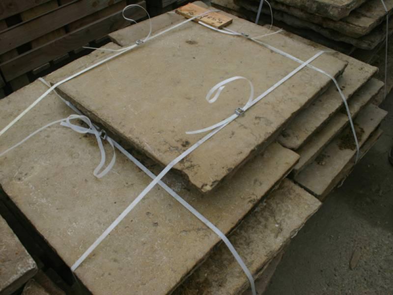 dalles anciennes et pav s anciens en pierre naturelle. Black Bedroom Furniture Sets. Home Design Ideas