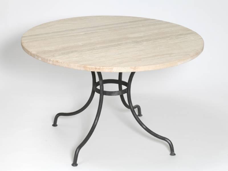 Tables et plateaux en pierre naturelle