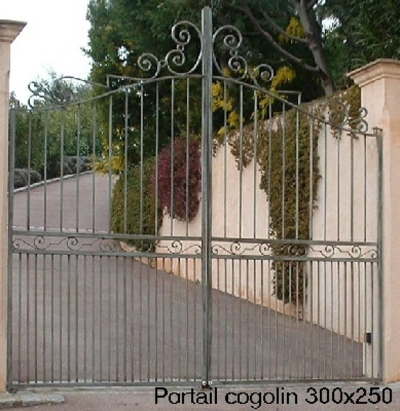 tous nos portails sont r alis s en fer plein la largeur standard tant de 350 nous pouvons. Black Bedroom Furniture Sets. Home Design Ideas