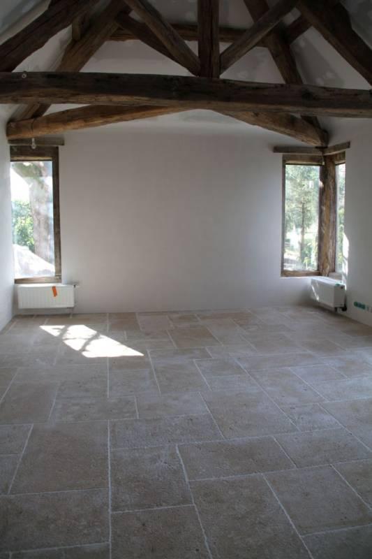 sol int rieur et ext rieur v ritable dalles en pierre naturelle originaires de la r gion. Black Bedroom Furniture Sets. Home Design Ideas