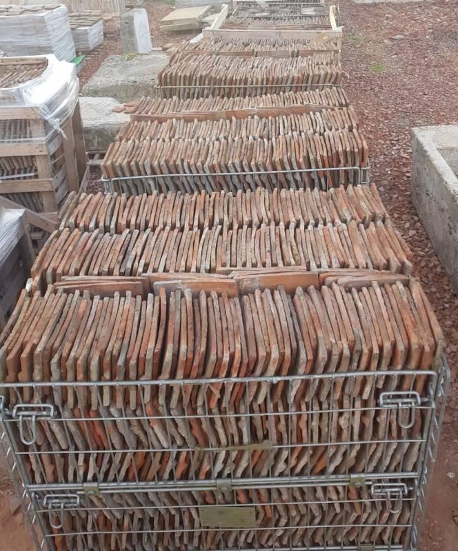 Tuiles plates anciennes vestiges de france vente de - Prix tuile plate terre cuite ...