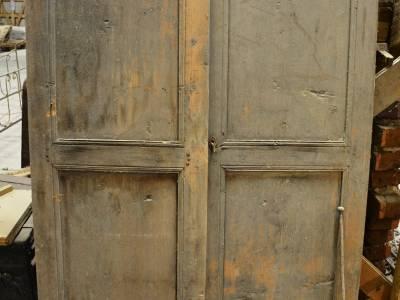 Portes de placard anciennes. Bois blanc