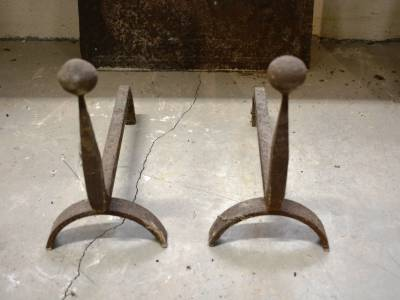 Anciens chenets de cheminée.