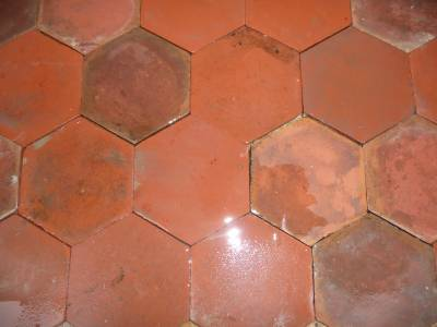 Tomettes hexagonales mécanique.