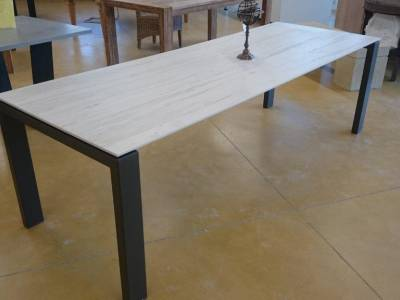 TABLE DE REPAS - LATITUDE