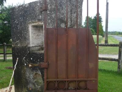 Portails anciens en fer forg et grilles en fer forg for Dimension portillon standard