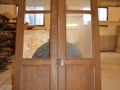 Portes doubles vitrées.