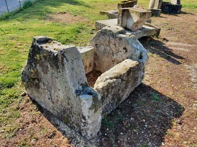 PUITS ANCIEN EN PIERRE