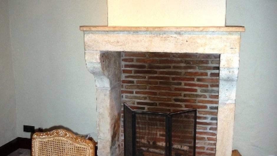 chemin e ancienne vestiges de france vente de mat riaux anciens. Black Bedroom Furniture Sets. Home Design Ideas