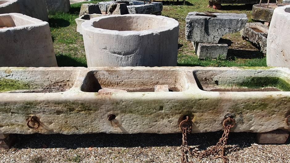 AUGE- ANCIEN ABREUVOIR À BESTIAUX. - AU- 406