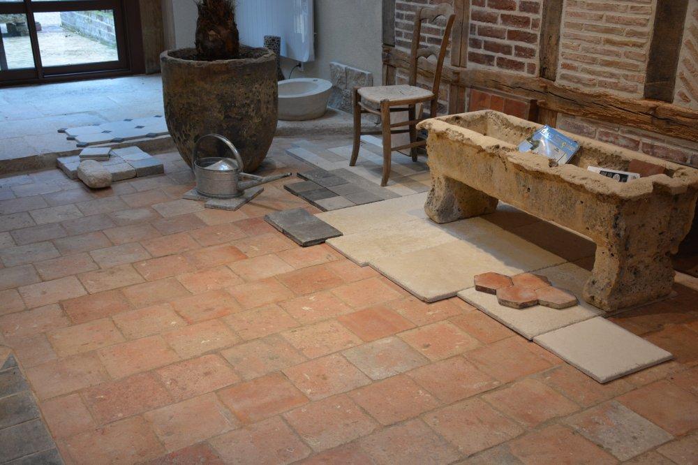 Tomettes anciennes vestiges de france vente de mat riaux anciens for Peindre des tomettes