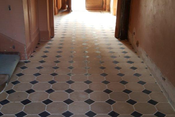 Toutes nos r alisations base de mat riaux anciens for Carrelage cabochon