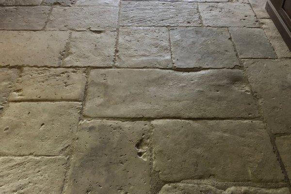 DALLES ANCIENNES ORIGINAIRES DE LA RÉGION BOURGOGNE